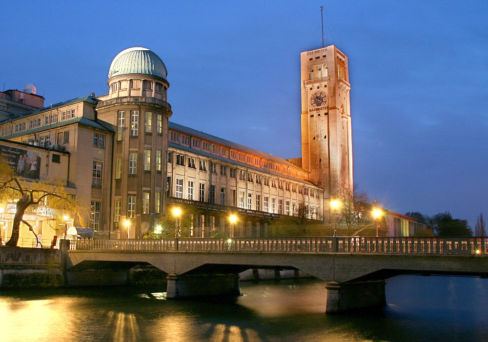 """""""Museumsinsel München"""" by Max-k muc - Self-photographed."""